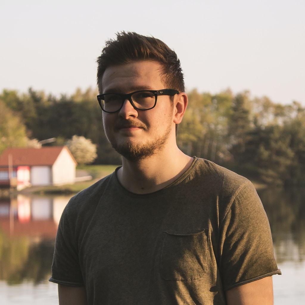 Go to Niklas Garnholz's profile