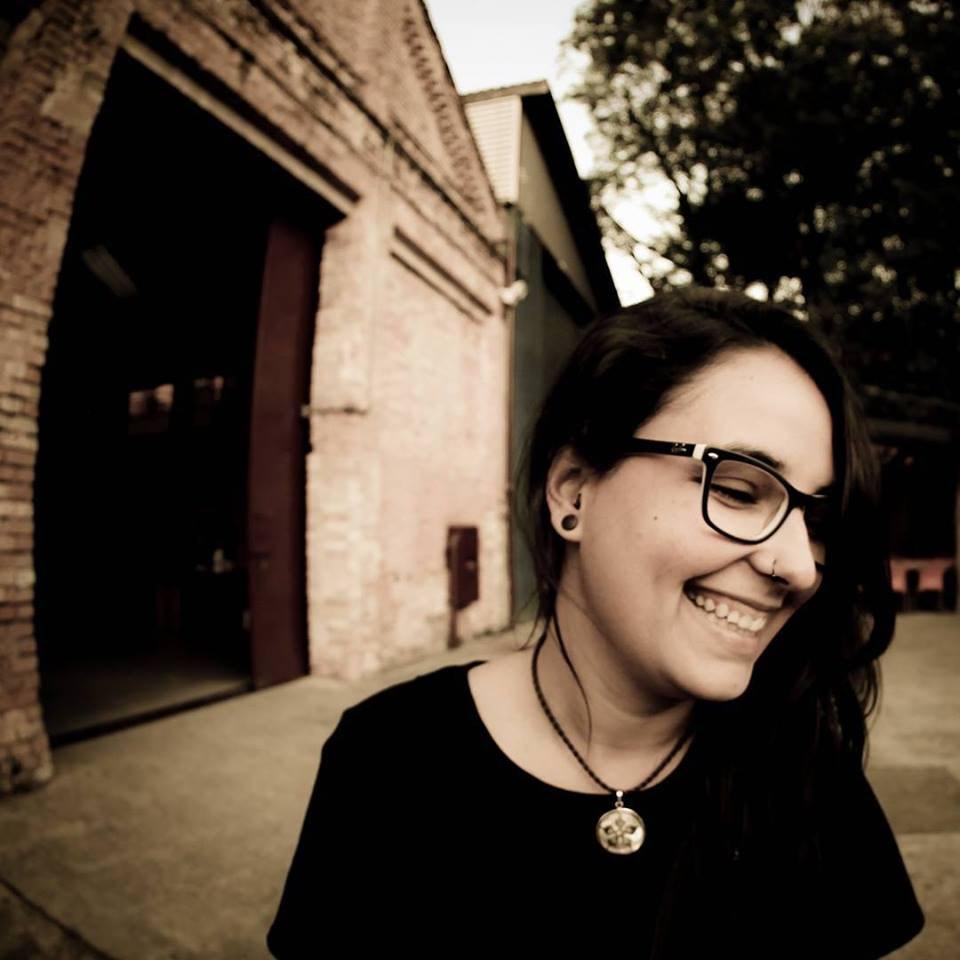 Go to Marina Castilho's profile