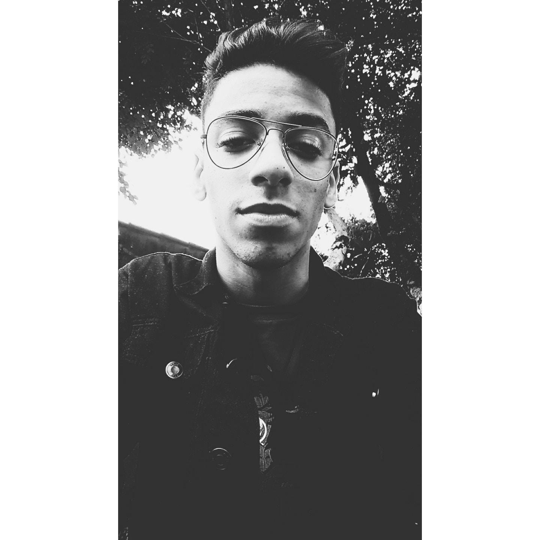 Go to Davi Moreira's profile