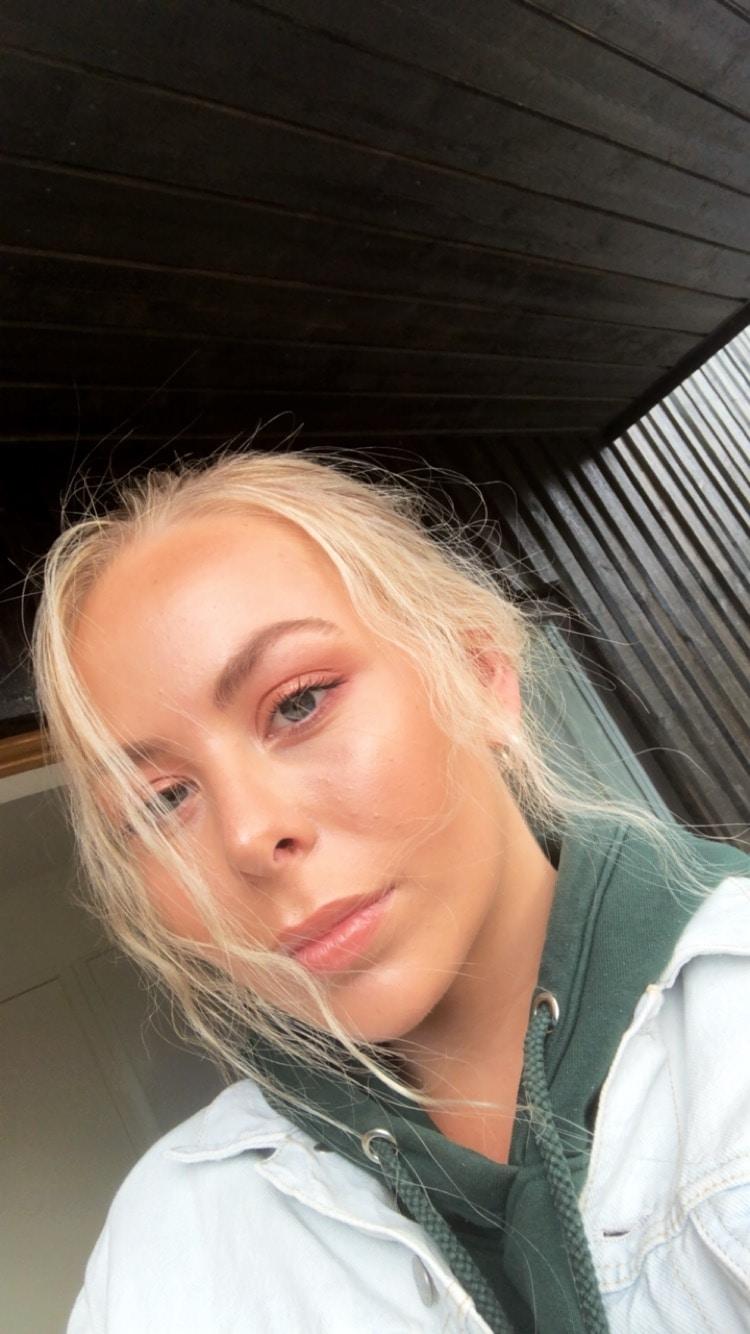 Go to Amanda Dalbjörn's profile