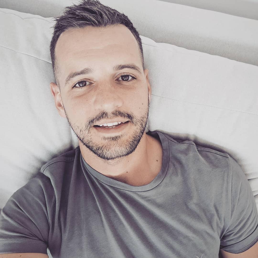 Go to Maciej Pienczewski's profile