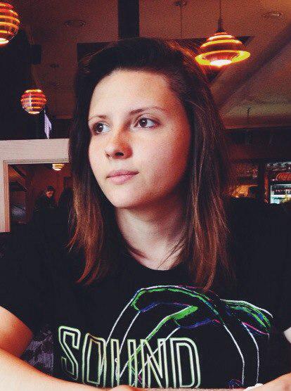 Go to Julia Lybenska's profile