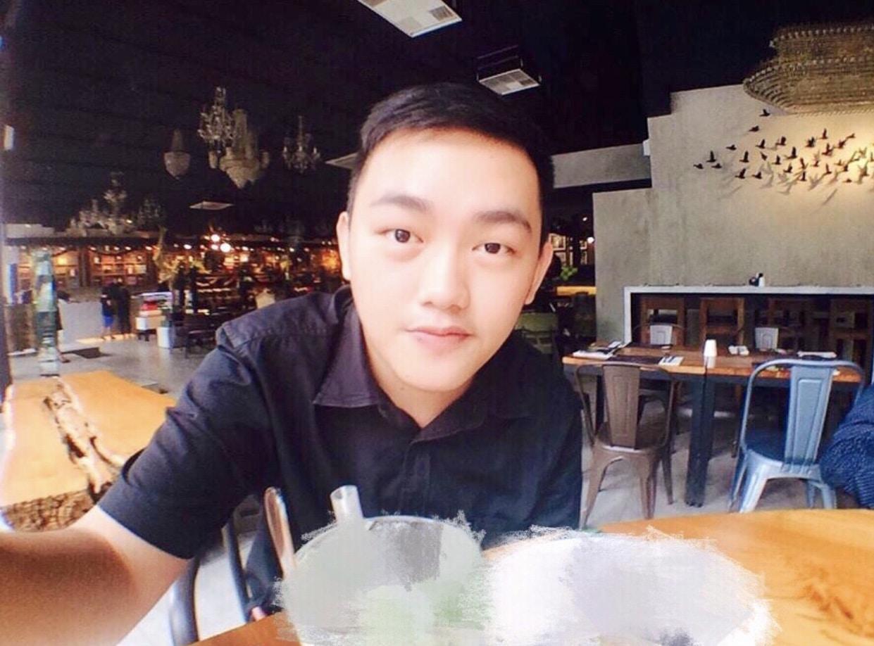 Go to 銘 銘's profile
