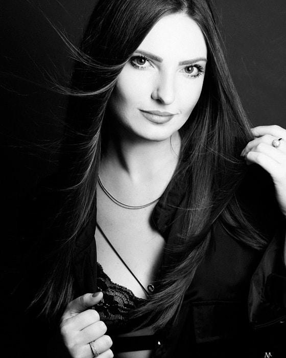 Go to Amanda Kariella's profile