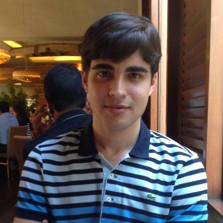 Go to Roberto Júnior's profile