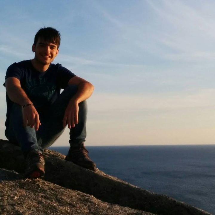 Go to Héctor Anadón's profile