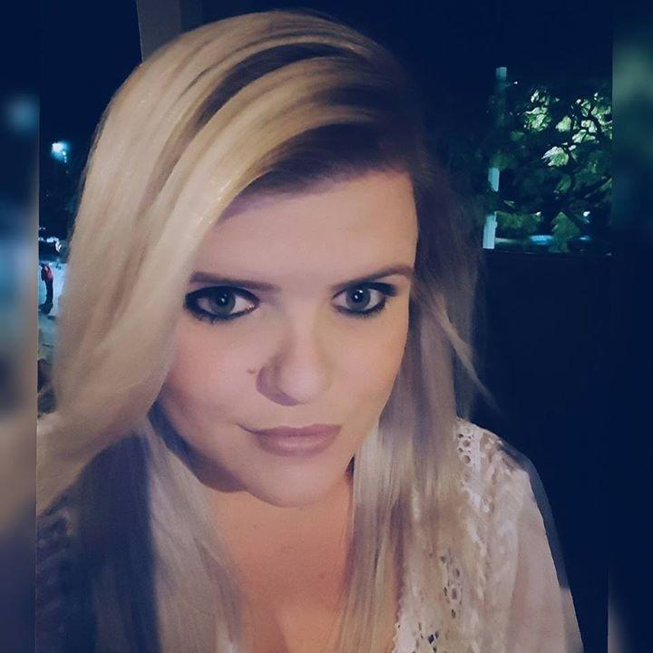Go to Roxanne Kisch's profile