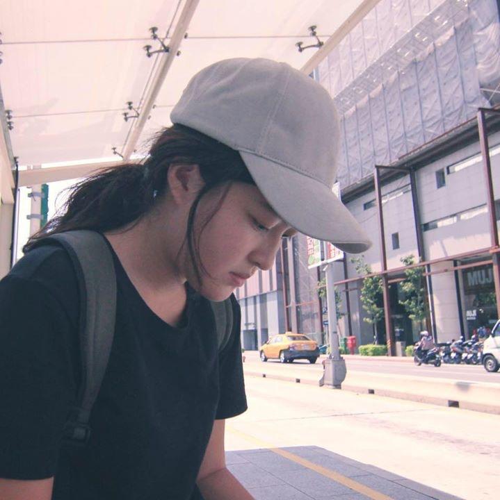 Go to Zhou   -'s profile