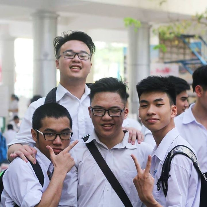 Go to Phạm Hùng's profile