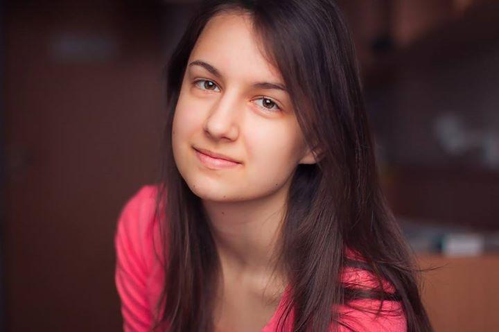Avatar of user Cintia Bársony