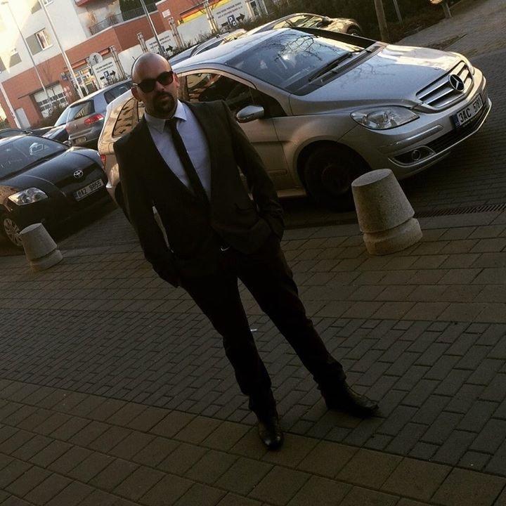 Go to Daniel Semenov's profile