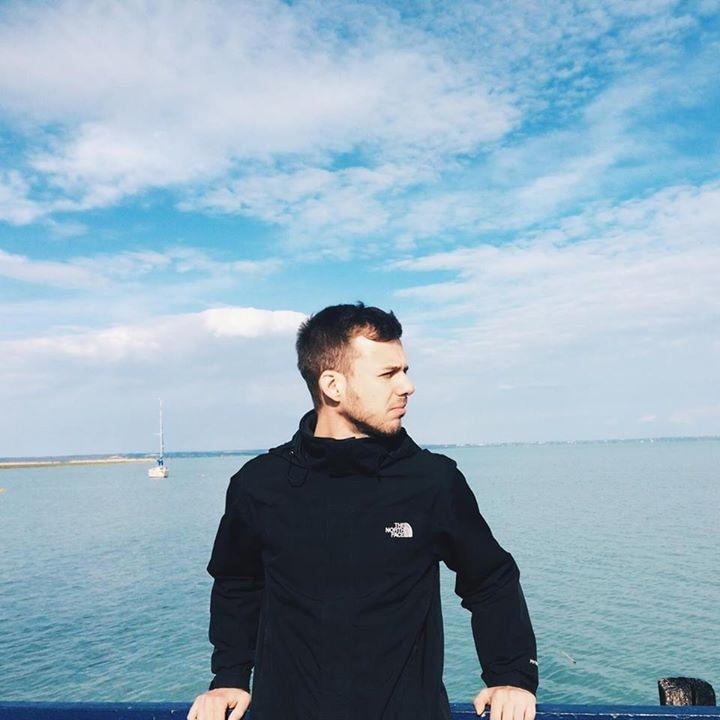Go to Gábor Tóth's profile