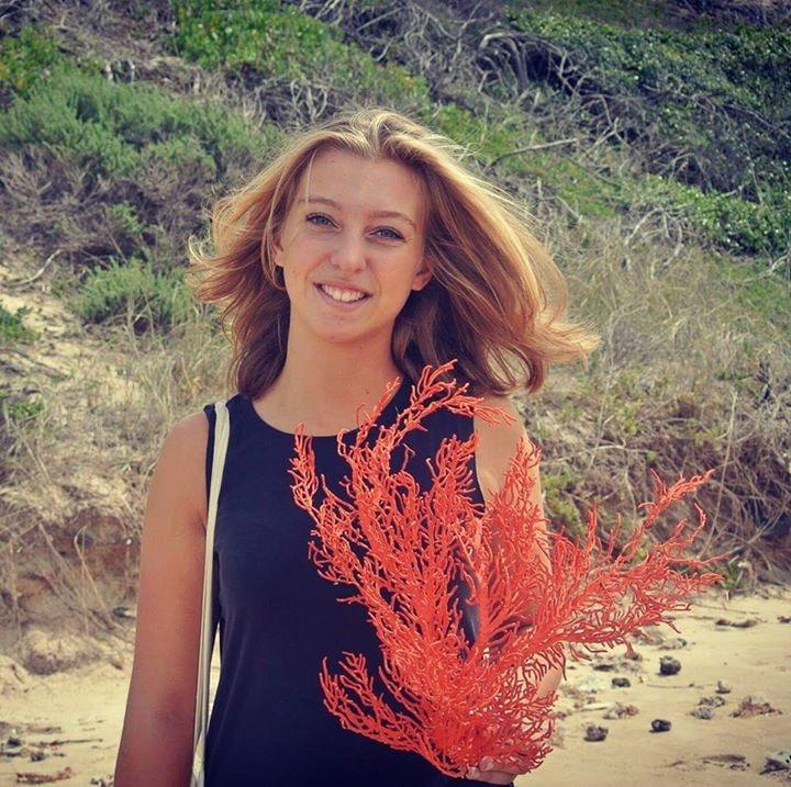 Go to Roeli Andréa's profile