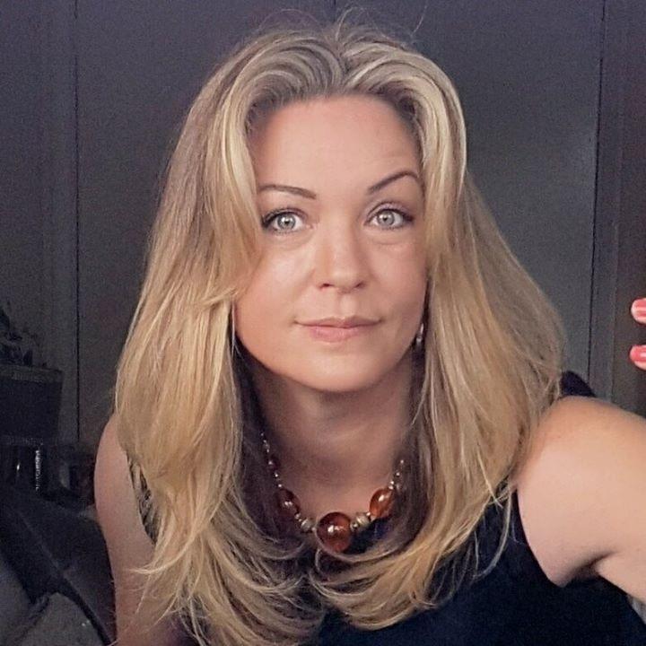 Go to Claire Devereux's profile