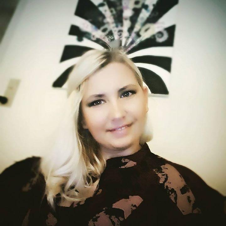 Go to Magda Hertzberg's profile