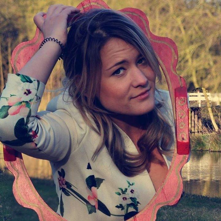 Go to Robina Weermeijer's profile