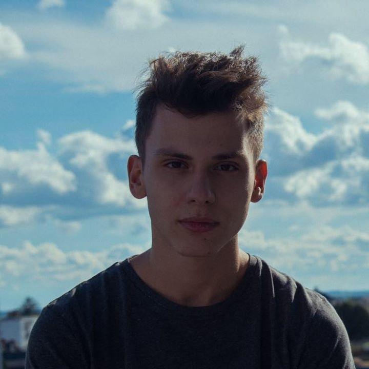Avatar of user Eliam Poreci