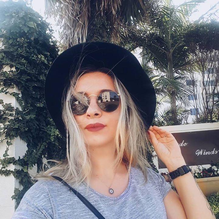 Go to Kat Kouli's profile