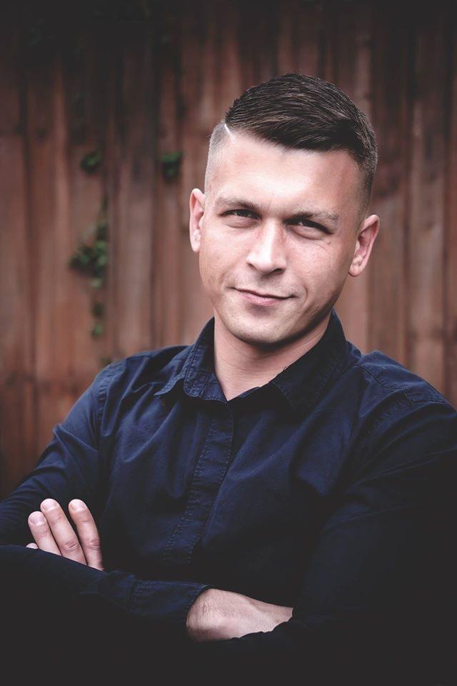 Go to lukasz kaminski's profile