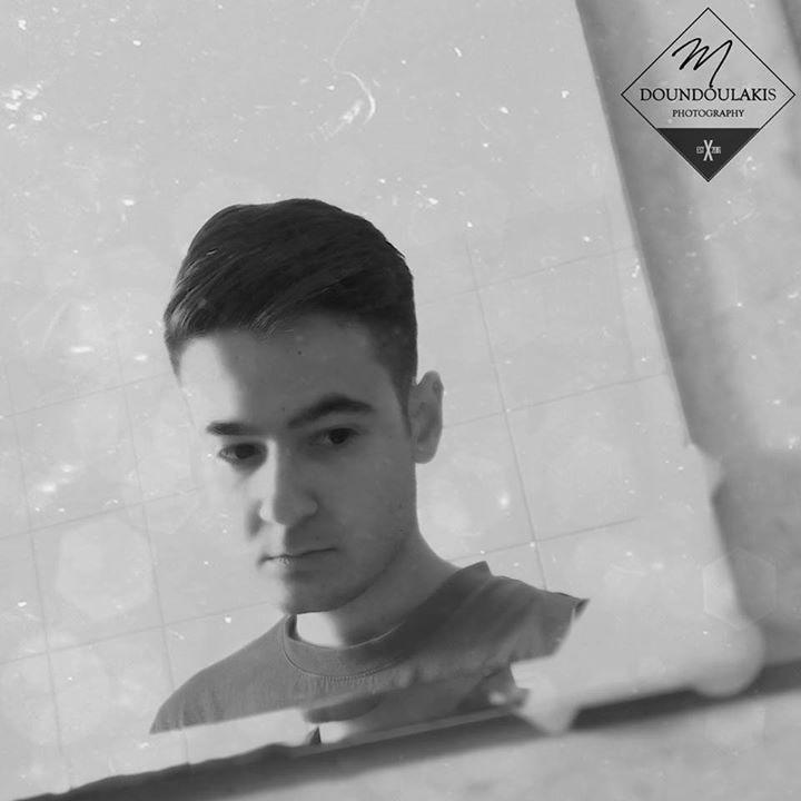 Go to Μιχάλης Δουνδουλάκης's profile