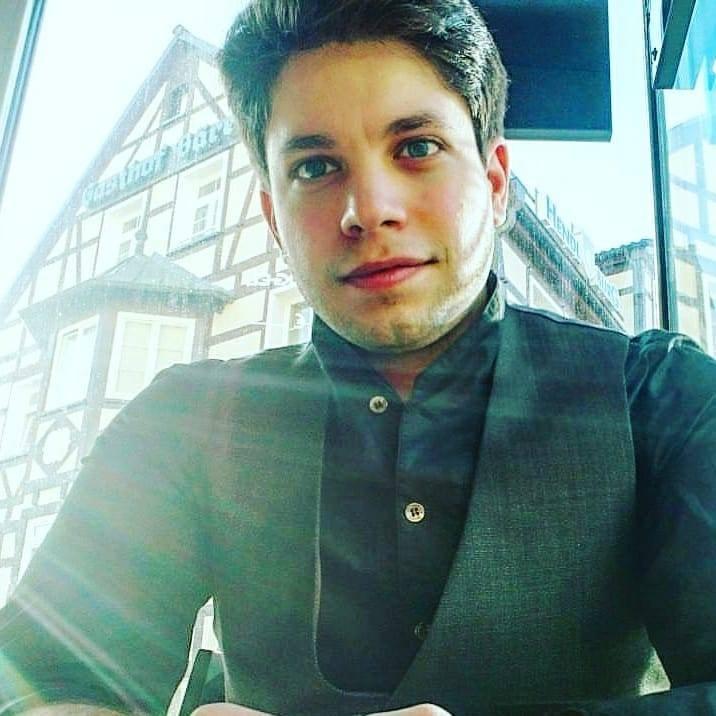 Go to Ruben Ferraro's profile