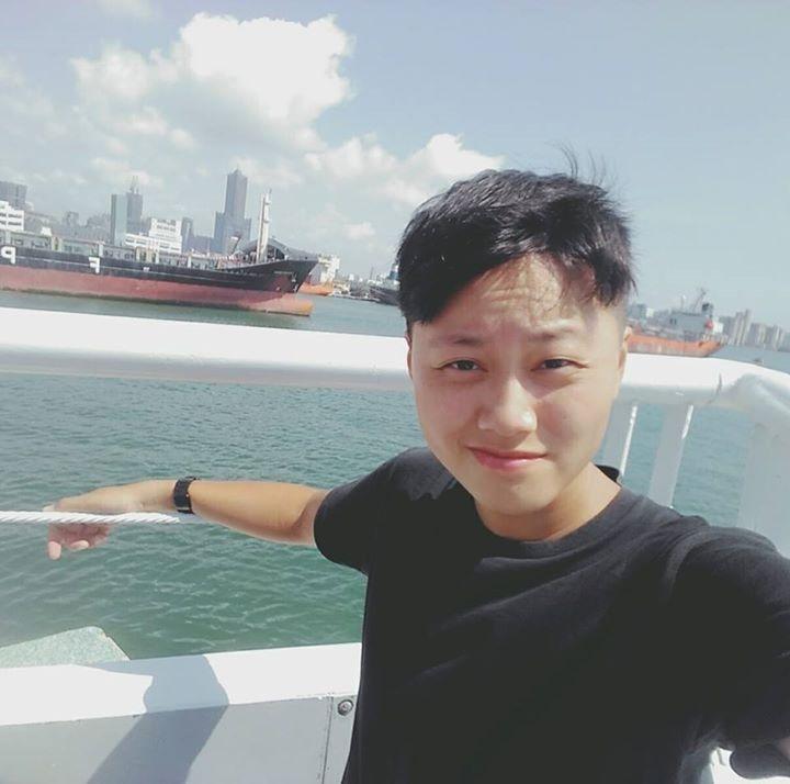 Go to Huang Jing Ru's profile