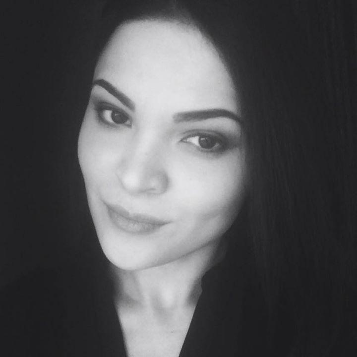 Go to Yaryna Lakomska's profile