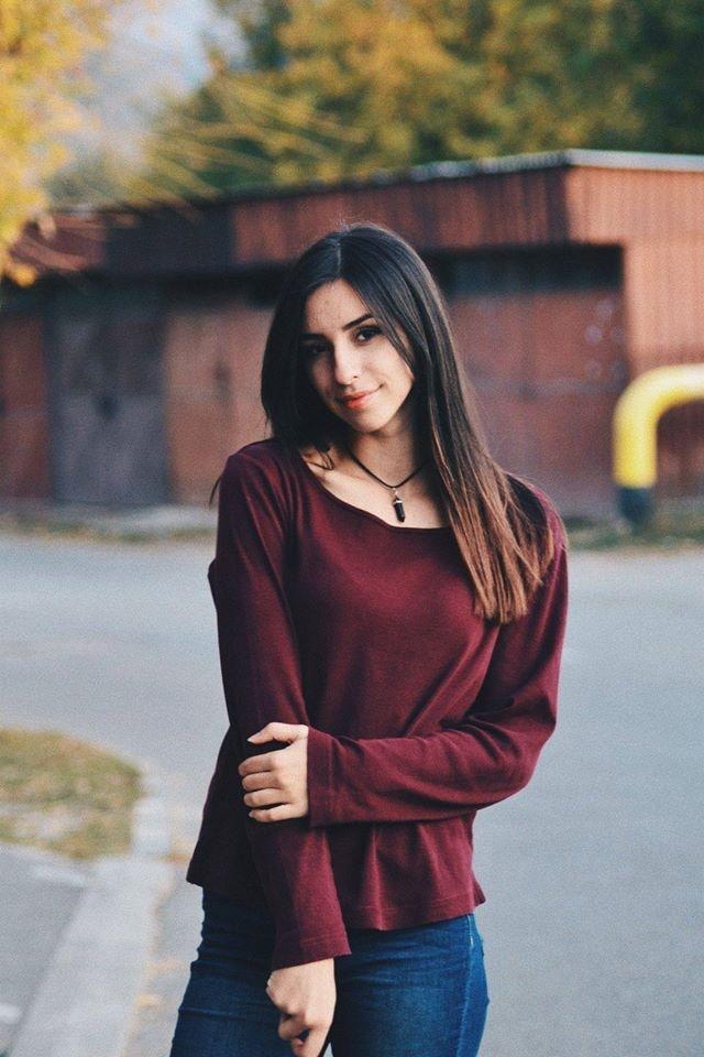 Go to Alicia Petresc's profile