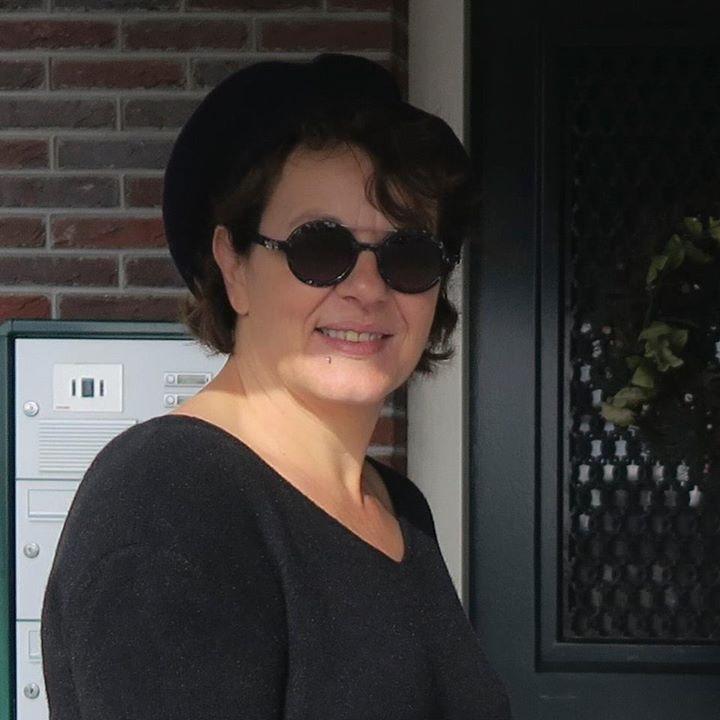 Go to Fabienne FILIPPONE's profile