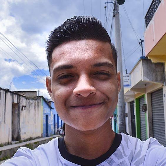 Go to Shalom de León's profile
