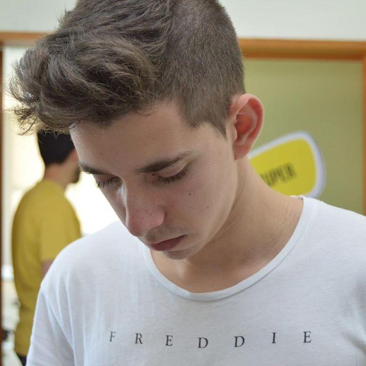 Go to Edgar Pimenta's profile