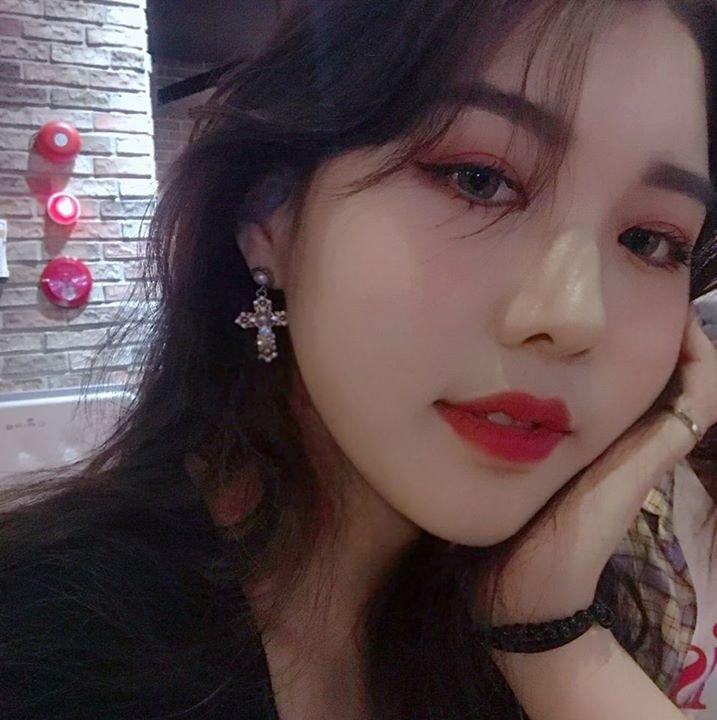 Go to KIM YOU JIN's profile