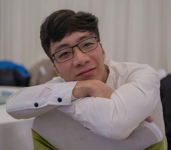 Go to ba Le hong's profile