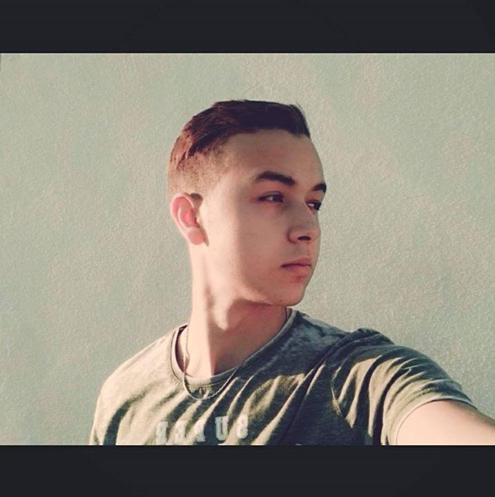 Go to hamza khchichine's profile