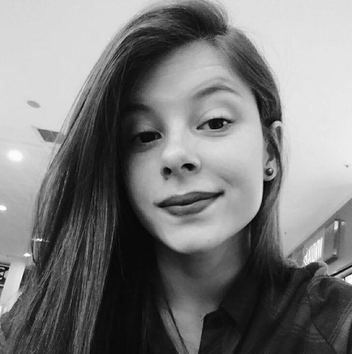 Go to Isabela Ferreira's profile
