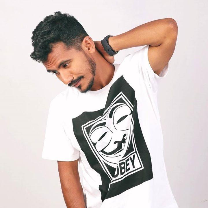 Go to Dipesh Gurav's profile