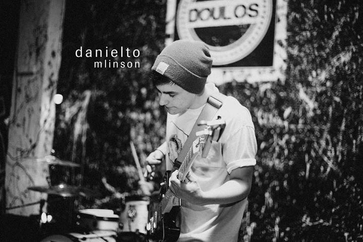 Go to Daniel Tomlinson's profile