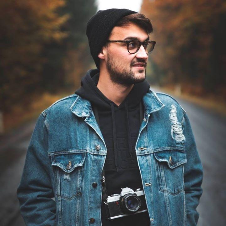 Go to Daniel J. Schwarz's profile