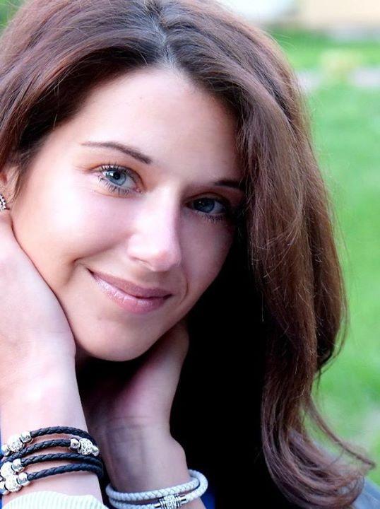 Go to Dariia Drobotko's profile