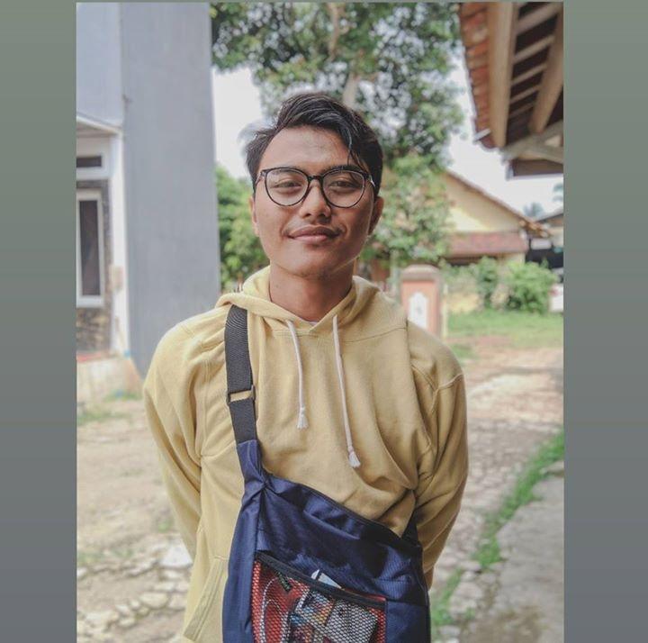 Go to Fachri Mochamad's profile
