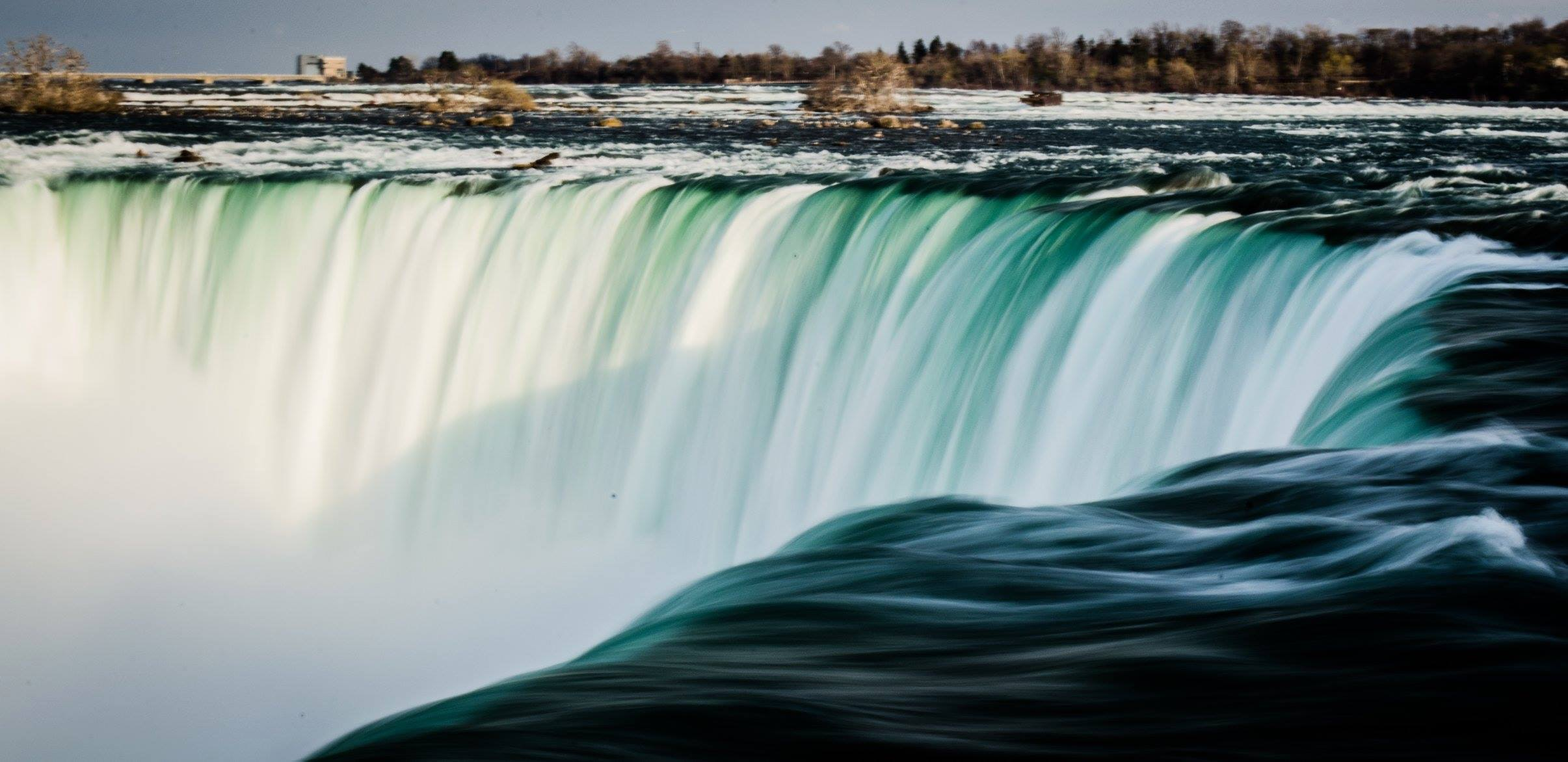 closeup photo of waterfalls