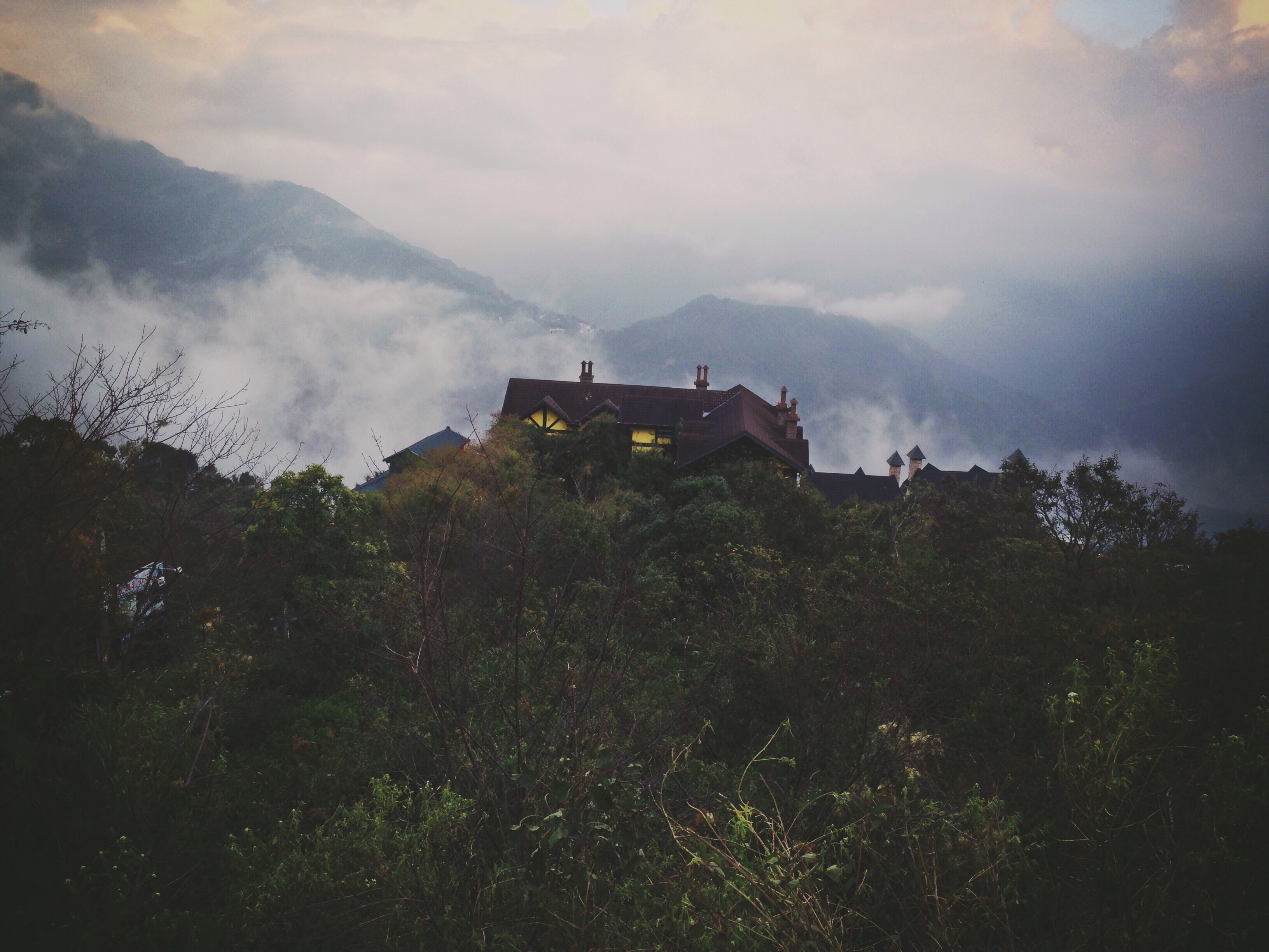 house on top of mountains